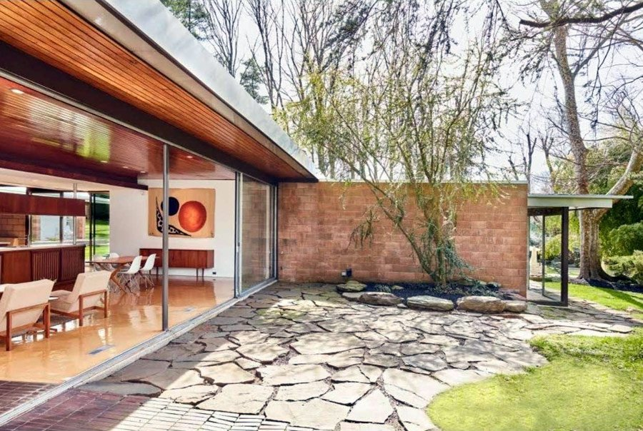 Richard Neutra House Philadelphia - outside