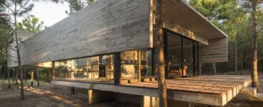 contemporary brutalist house in argentina - Luciano Kruk_outside