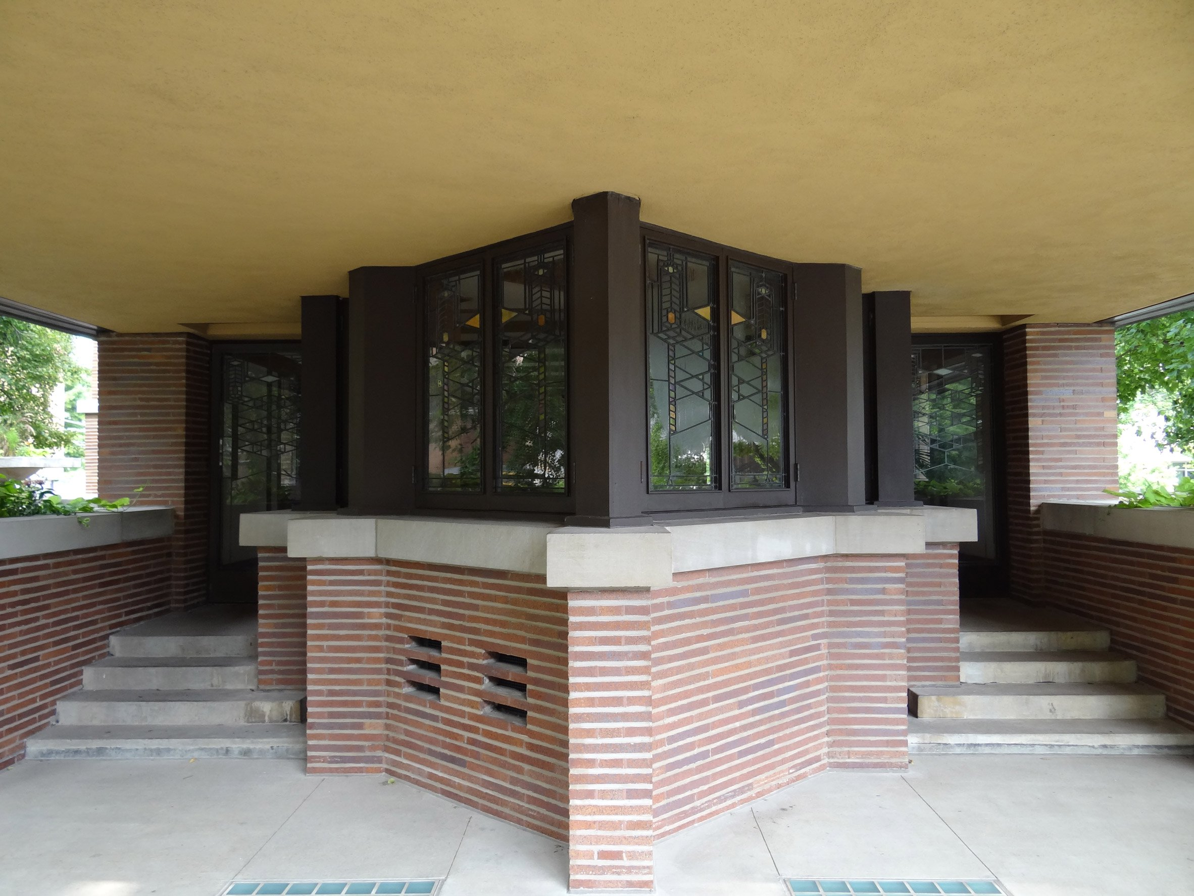 robie-house-illinois-frank-lloyd-wright - entrance