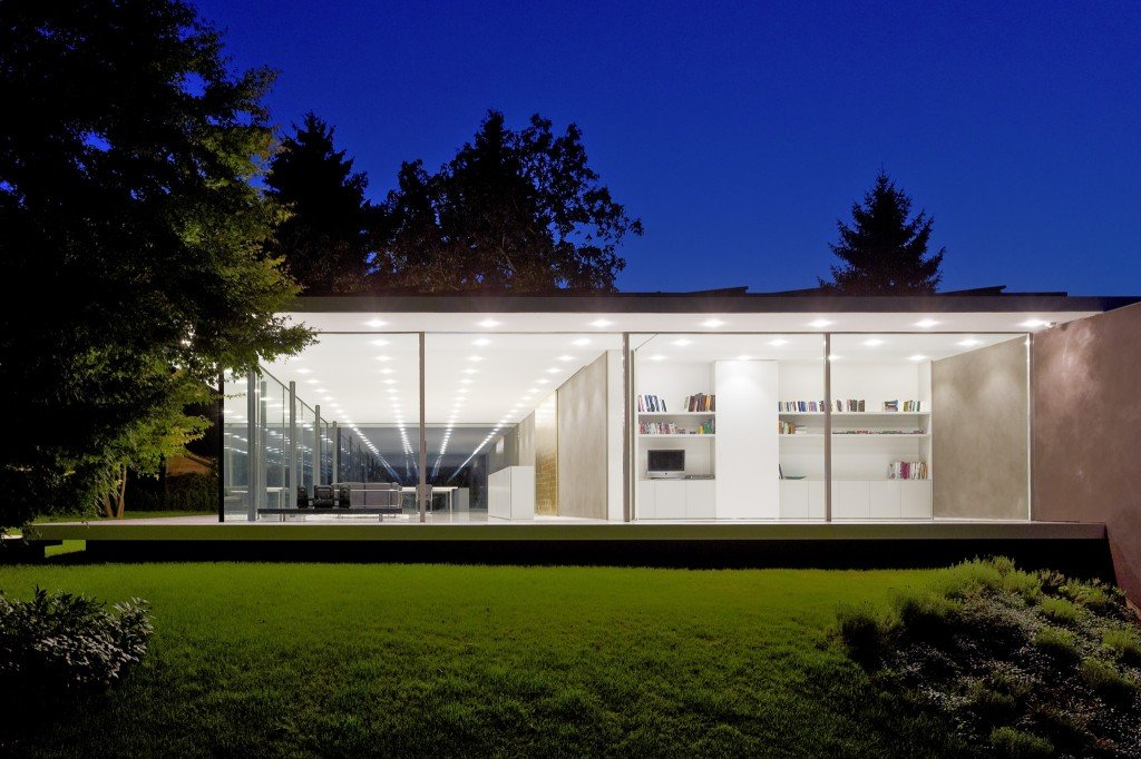 Werner Sobek S Modernist Glass House Is All About Communal