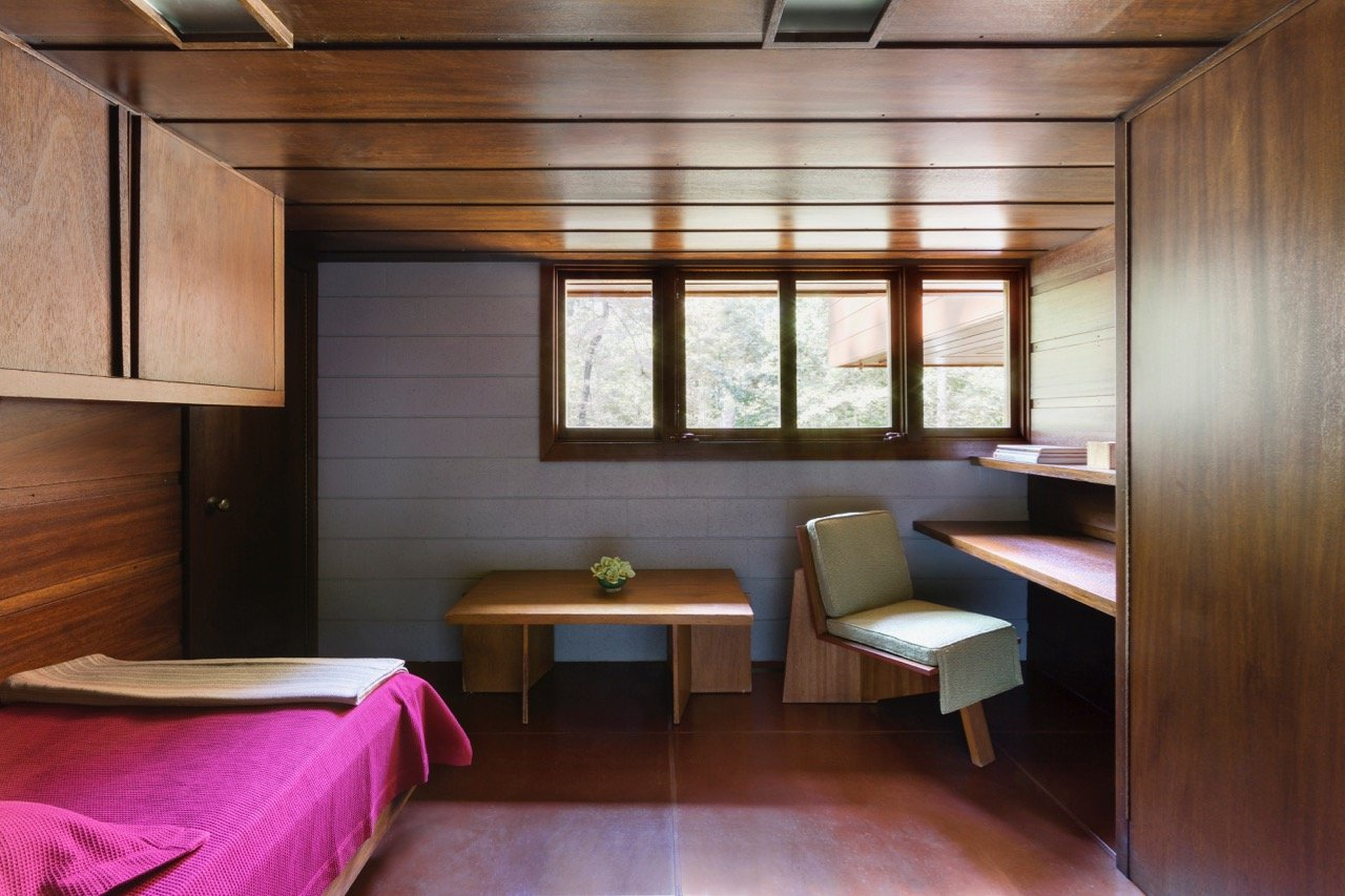 Frank Lloyd Wright - Bachman-Wilson House - guest bedroom