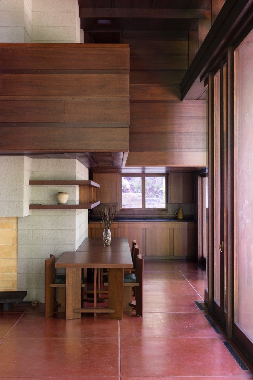 Frank Lloyd Wright - Bachman-Wilson House - dining area