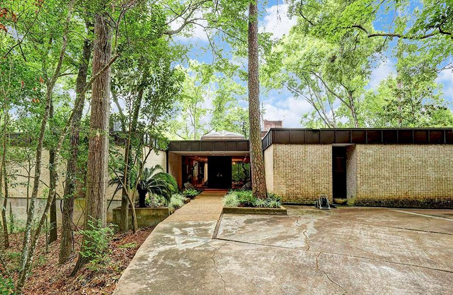 This houston mid century home rewards a closer look mid Mid century modern homes for sale houston