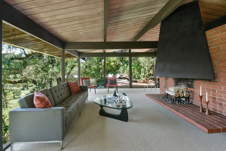Mid Century Home in California by Roger Lee - living