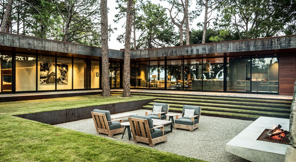 modern house - Wernerfield architects - texas - outside living