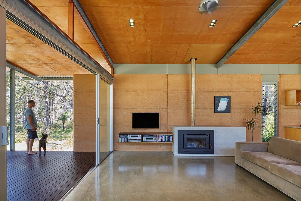 Contemporary Bush House - Australia - Archterra Architects - living room