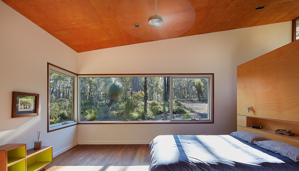 Contemporary Bush House - Australia - Archterra Architects - bedroom