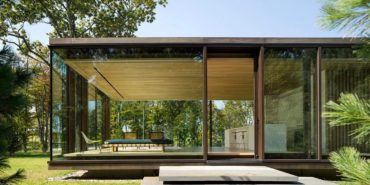 Modern Glass Guest House by Desai Chia - exterior