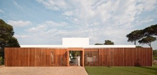 Modernist house - Arquitecturia Camps Felip WI02 - front
