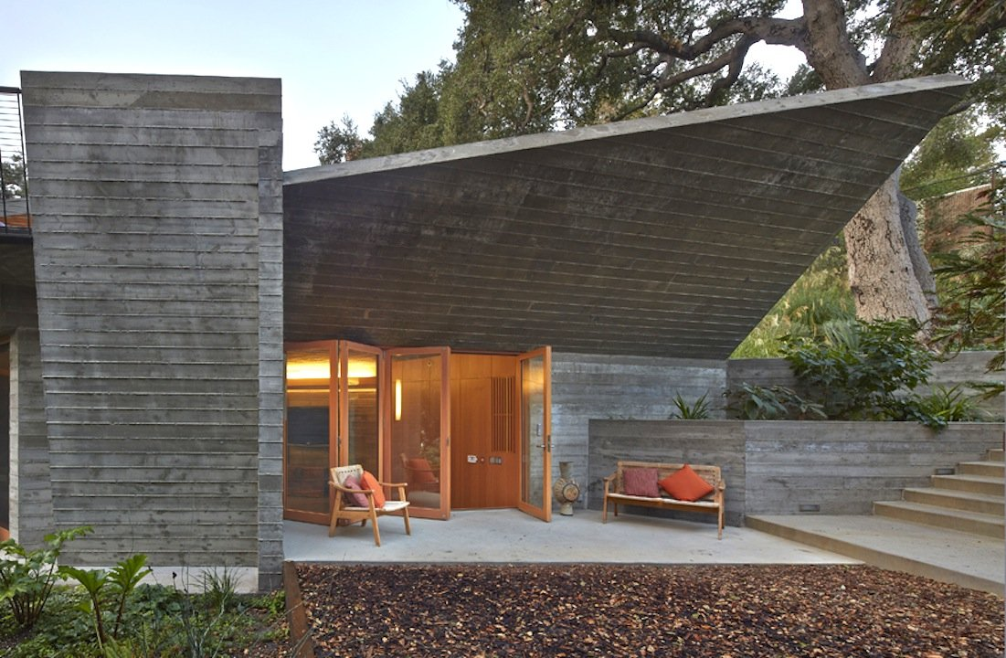 The modernist pool house we all want mid century home for Calvin house