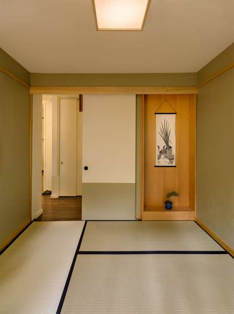Mid-century house renovation - moser architects - meditation room