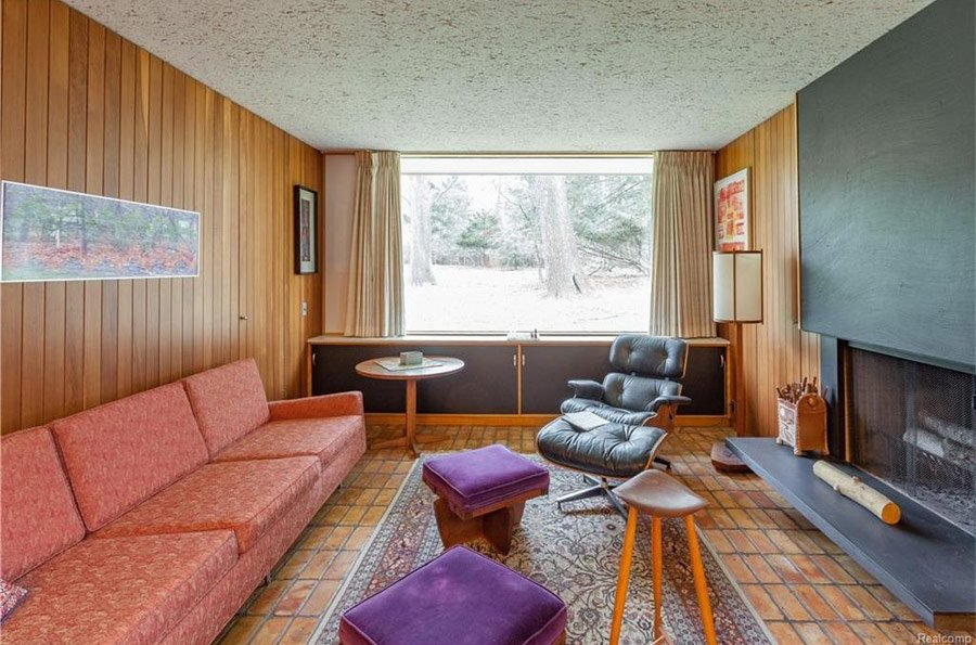 mid-century house by Robert Metcalf in Michigan - relaxation room