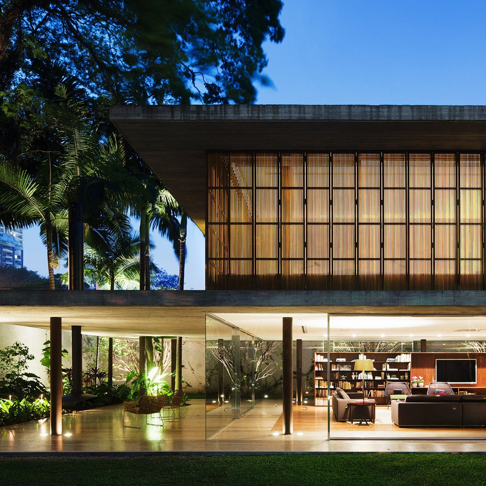 Contemporary house São Paulo - Toblerone House : Studio MK27 - exterior front