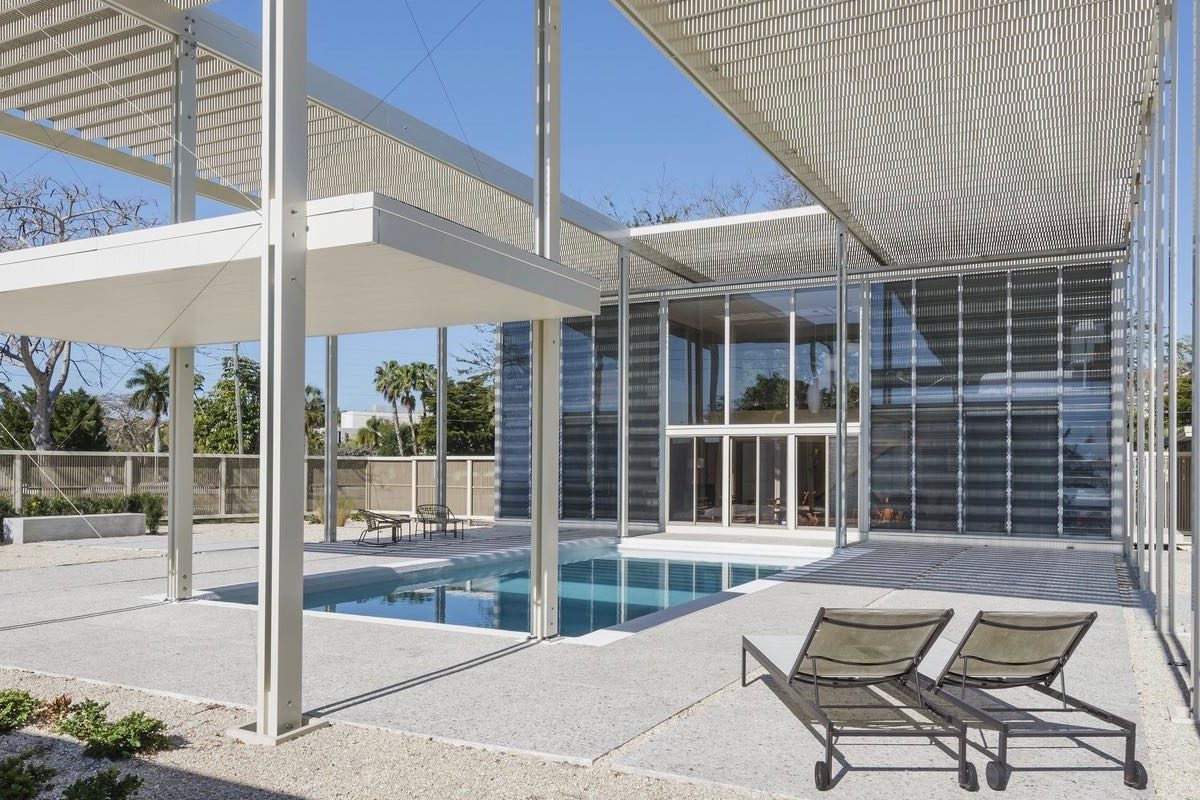 Paul Rudolph - Umbrella mid-century house - pool