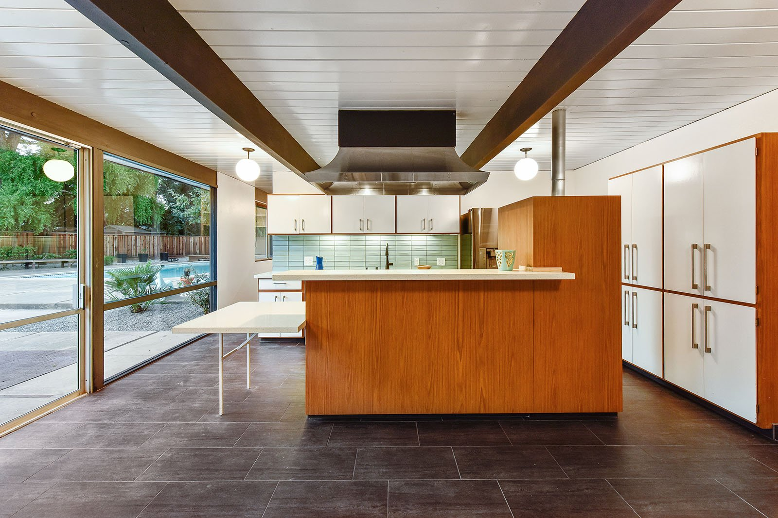 big size Eichler in Walnut Creek - kitchen