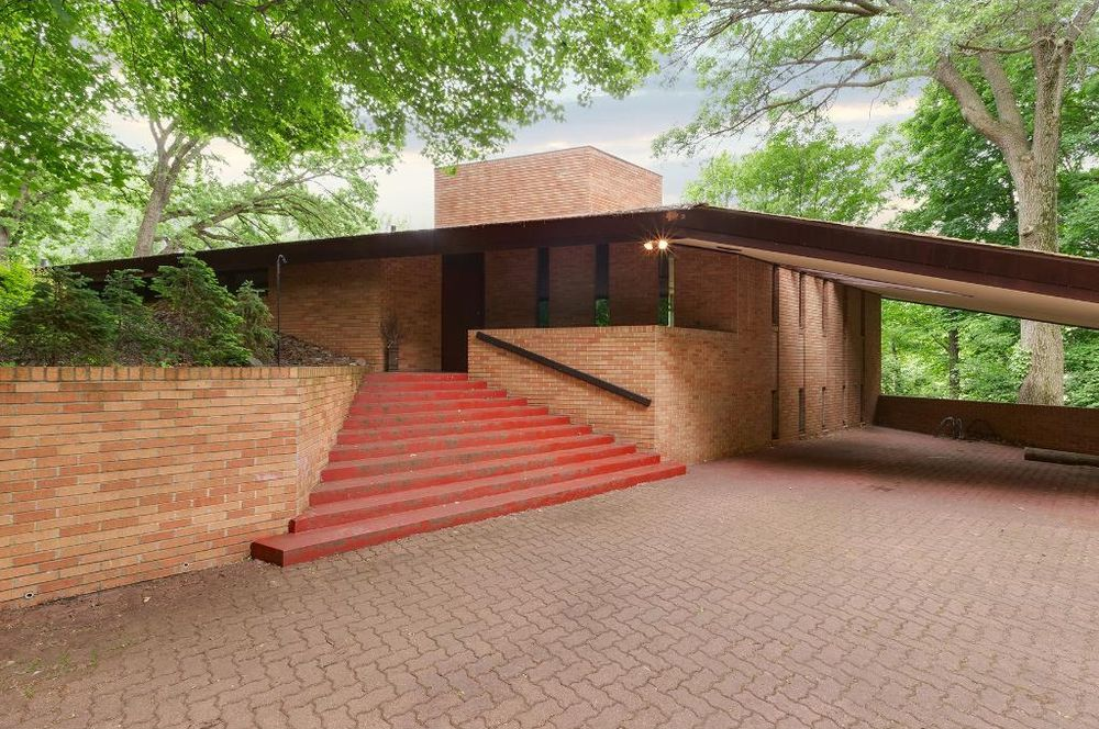 Quintessential Frank Lloyd Wright In Minneapolis The