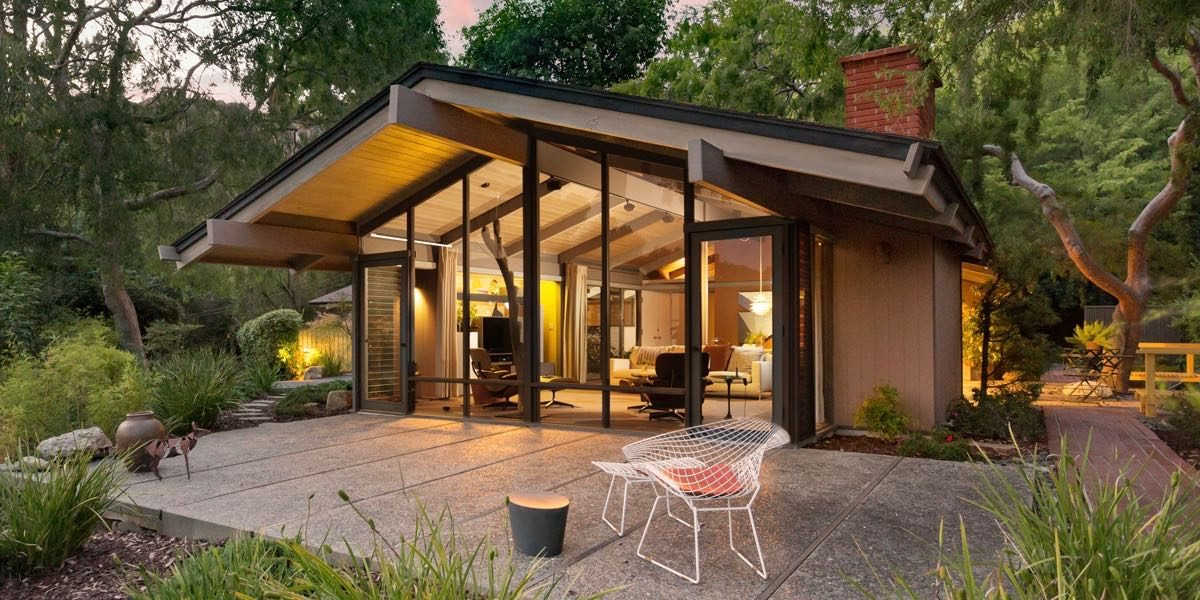 Mid century houses and homes for Century home builders
