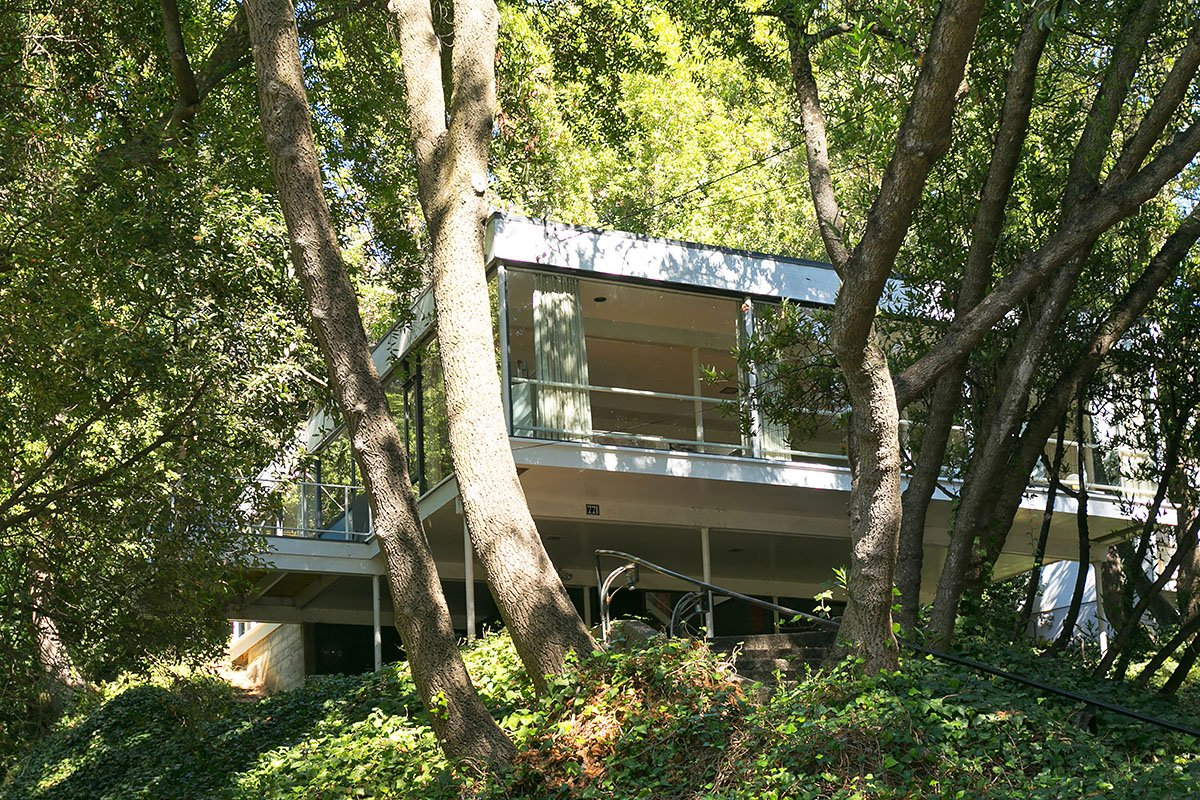 Olsen Home Exteriors: The Olsen Residence: Bauhaus With A Twist