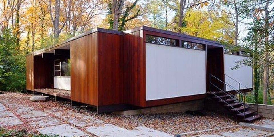 mid-century modern house in Chapel Hill - exterior
