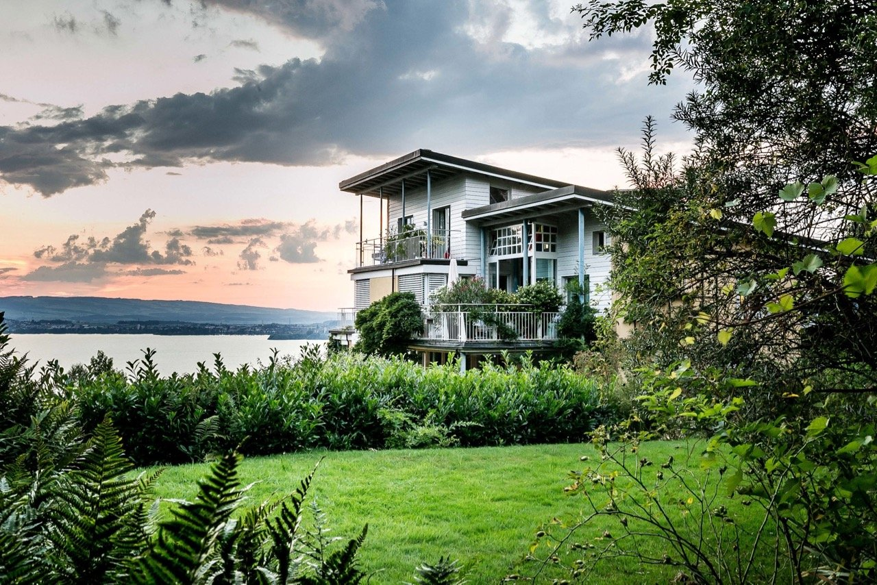 mid-century house by Leo Hafner - Lake Zug, Switzerland - exterior far view