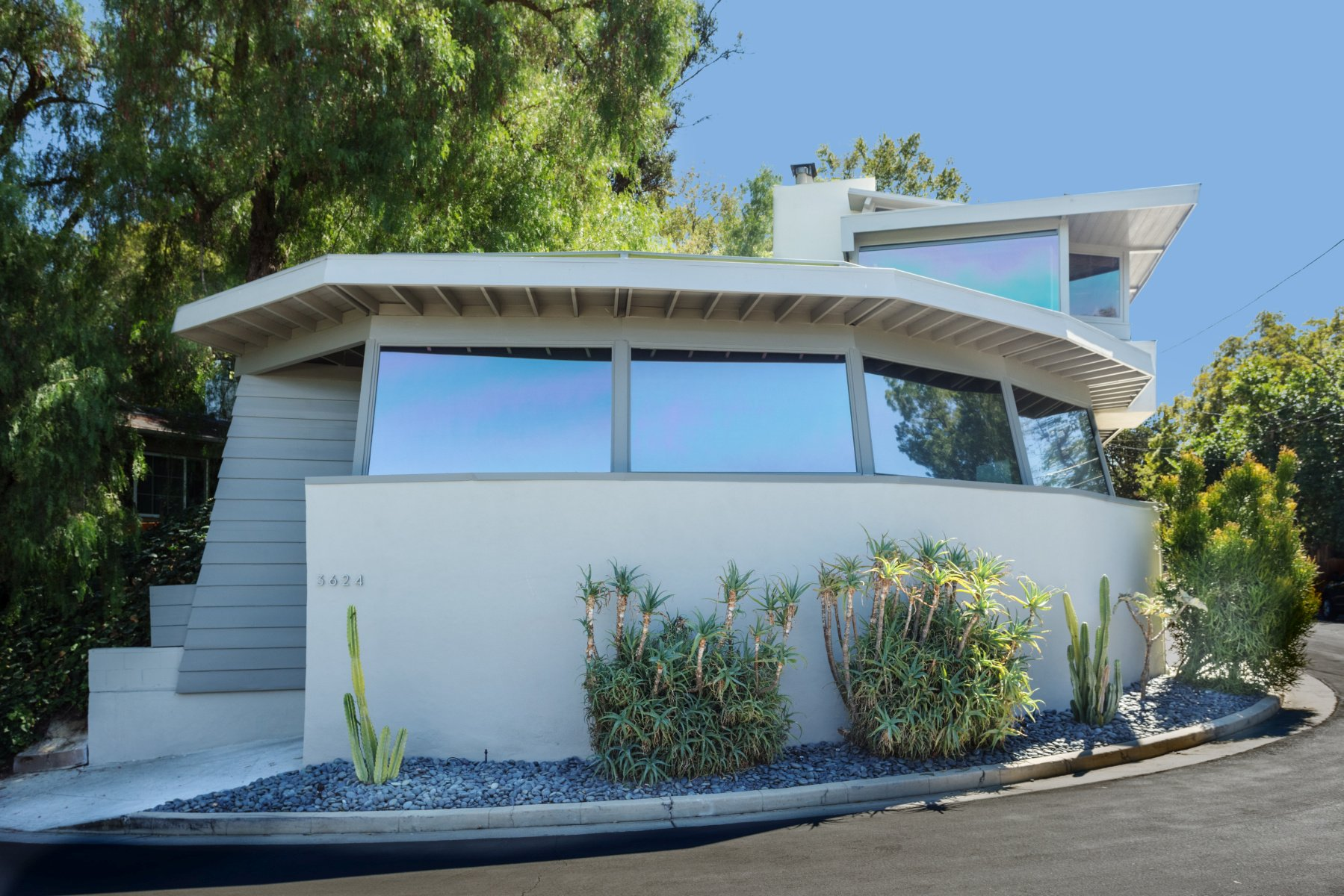 Rudolph Schindler - roxy roth residence - outside