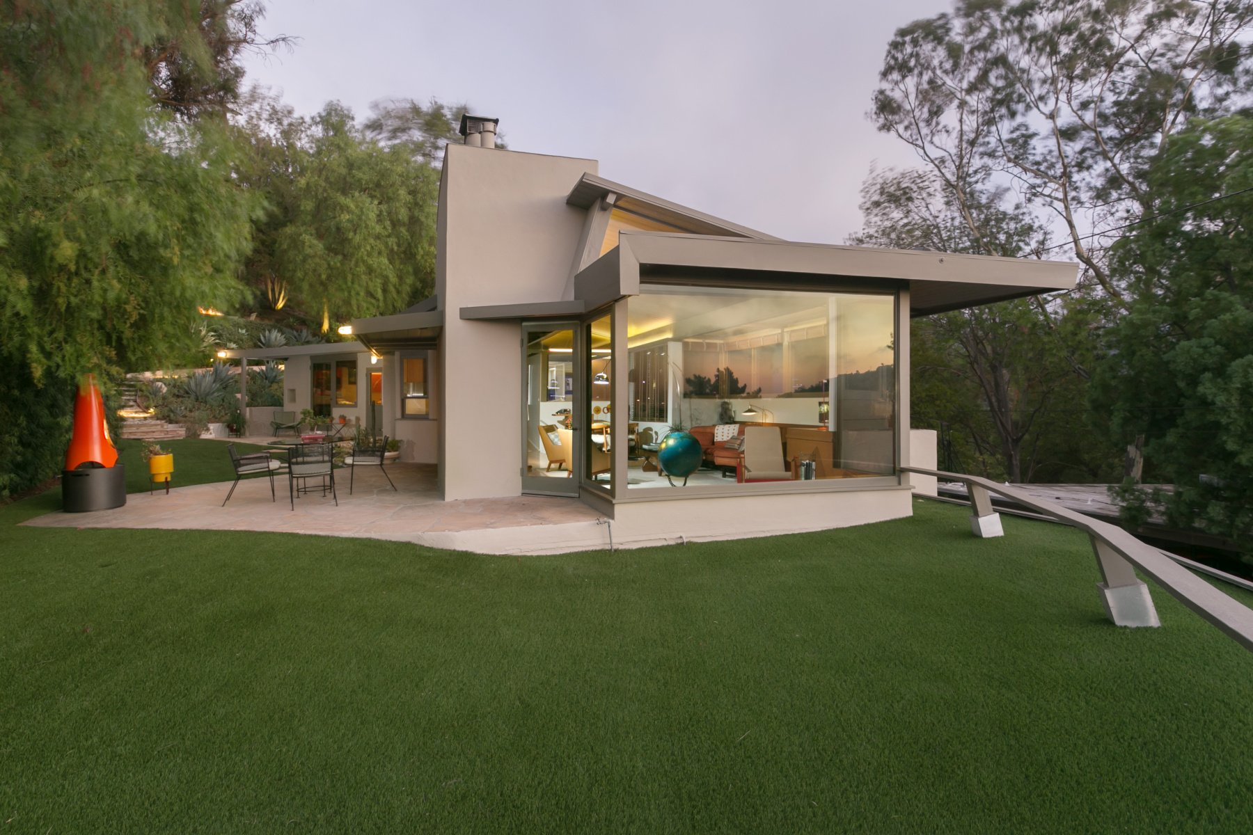 Rudolph Schindler - roxy roth residence - exterior