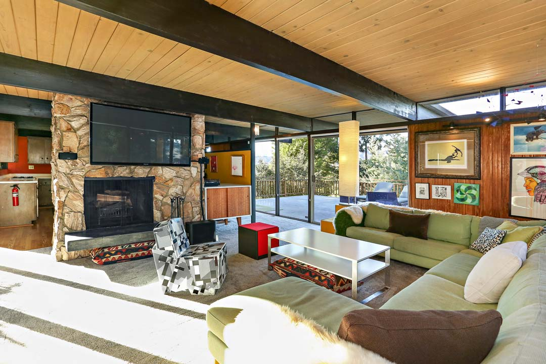 mid-century house Los Angeles - architect Dick E. Lowry - living room