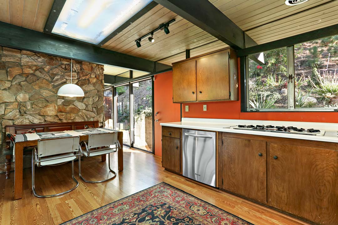 mid-century house Los Angeles - architect Dick E. Lowry - kitchen