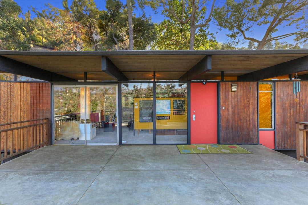 mid-century house Los Angeles - architect Dick E. Lowry - front entrance