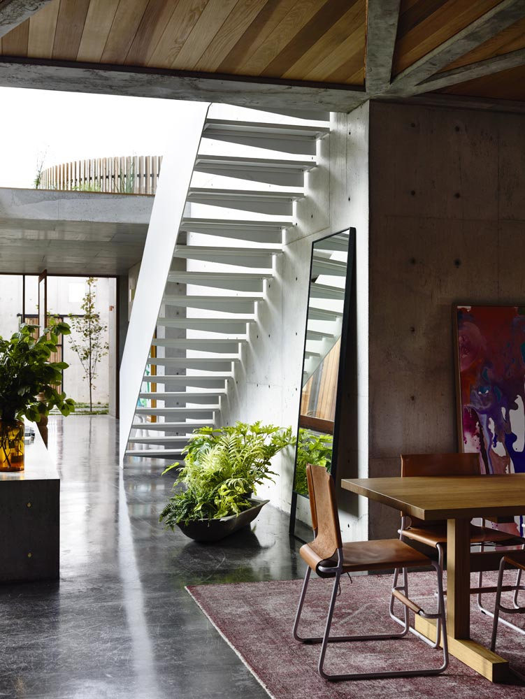 Contemporary Modernist Concrete House - Auhaus Architects - dining area