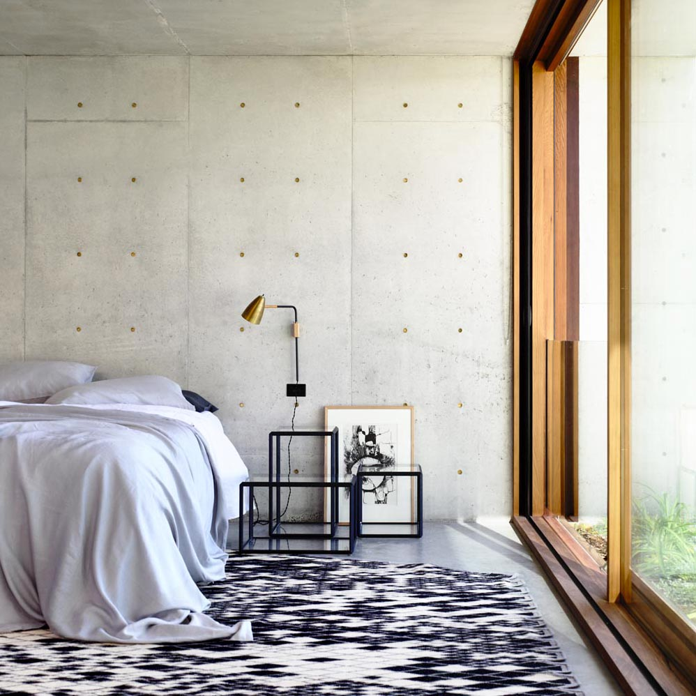 Contemporary Modernist Concrete House - Auhaus Architects - bedroom