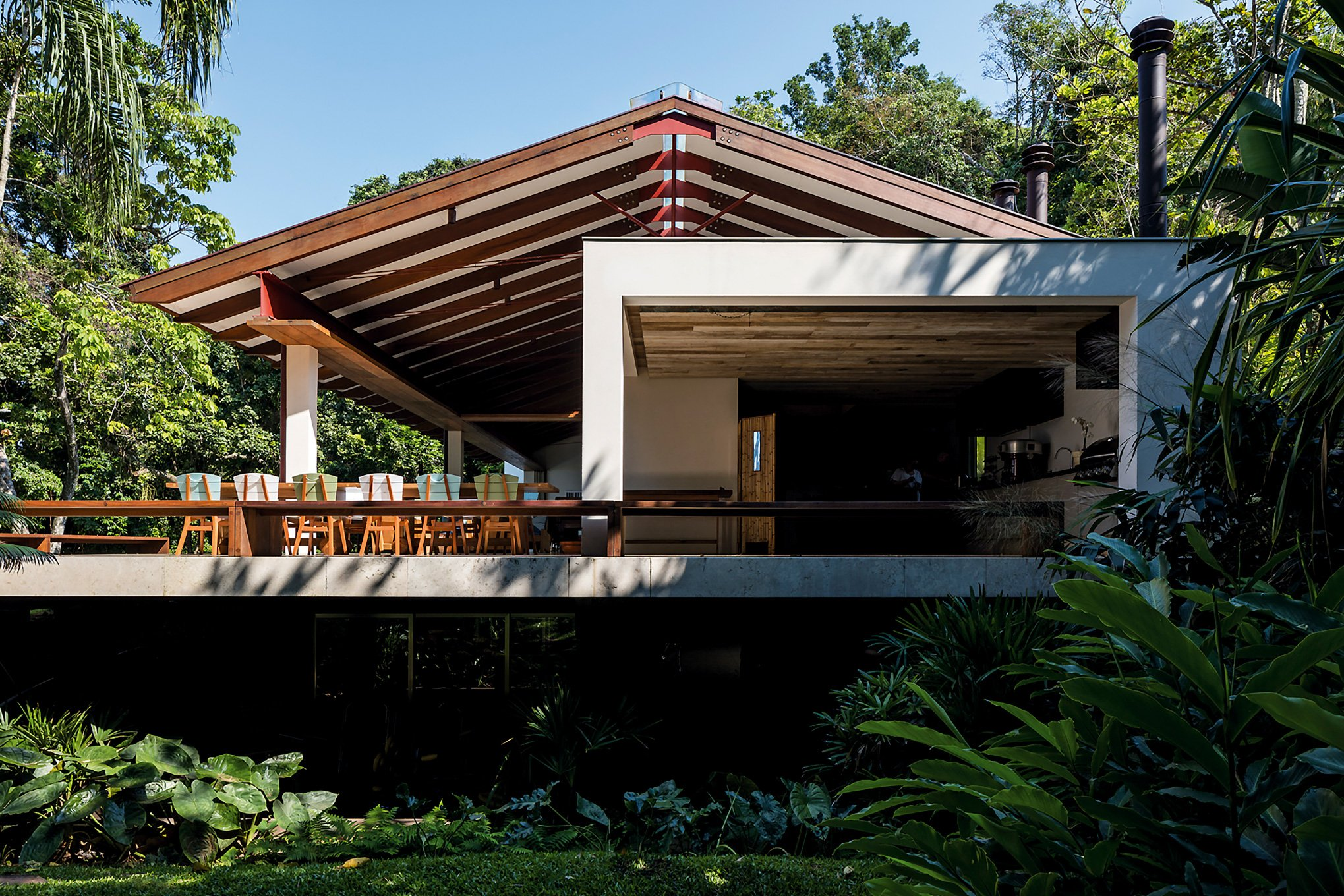 contemporary beach house - architect gui mattos - residencia conchas - exterior