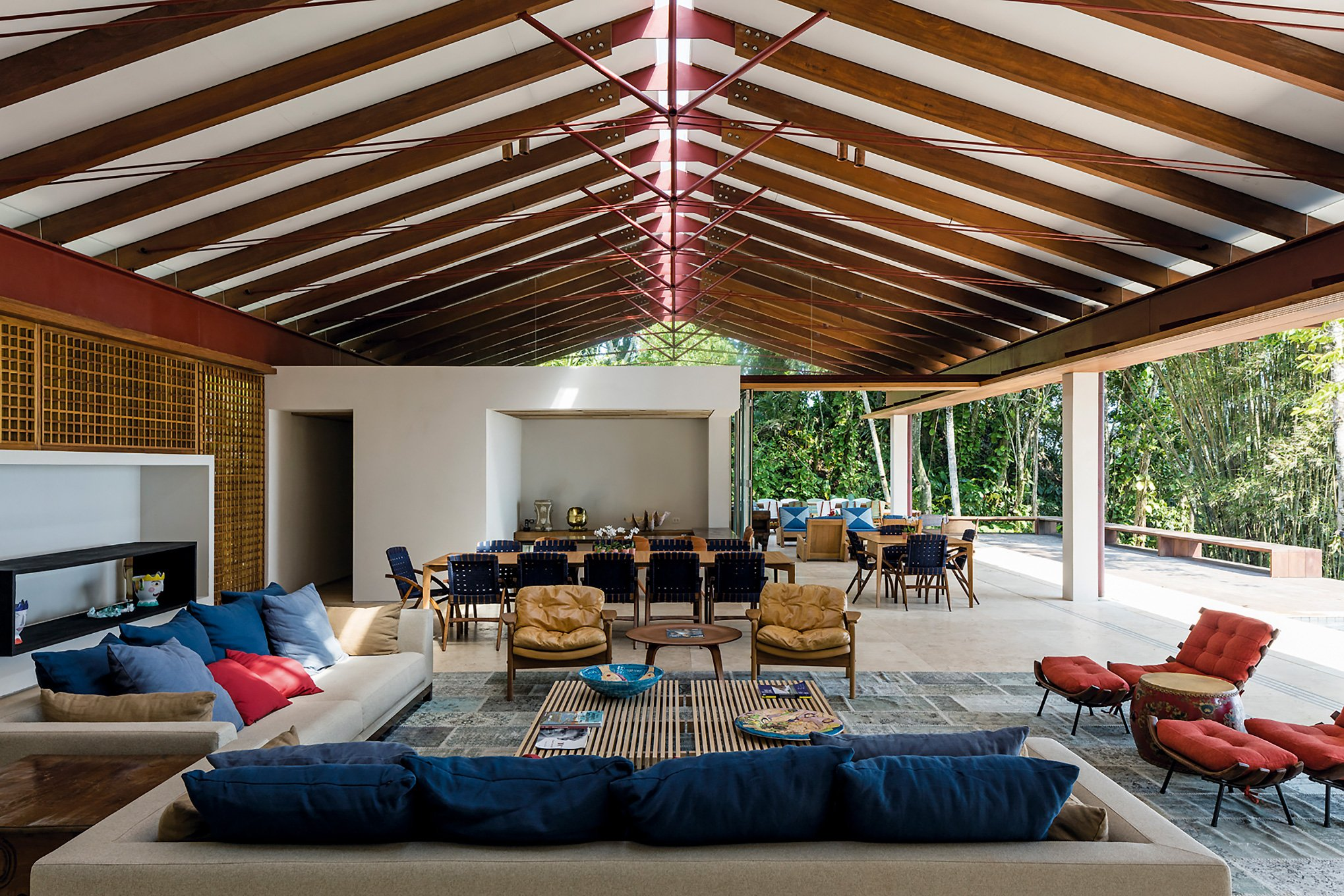 contemporary beach house - architect gui mattos - residencia conchas - living room