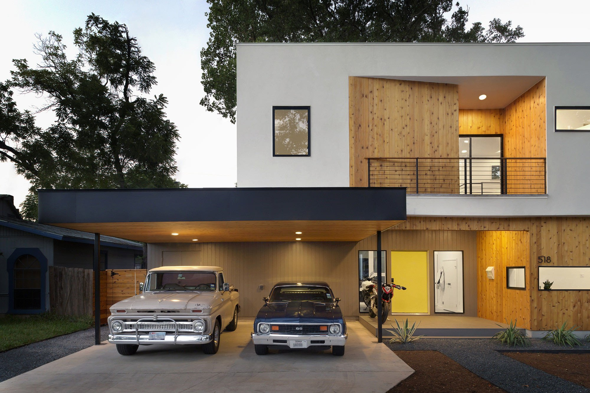 Austin Modern Tree House - Matt Fajkus Architecture - carport