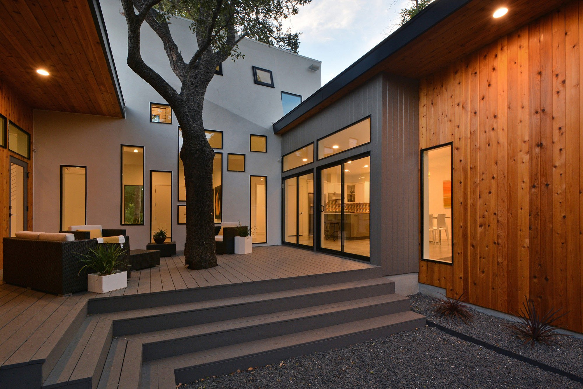 Austin Modern Tree House - Matt Fajkus Architecture - patio