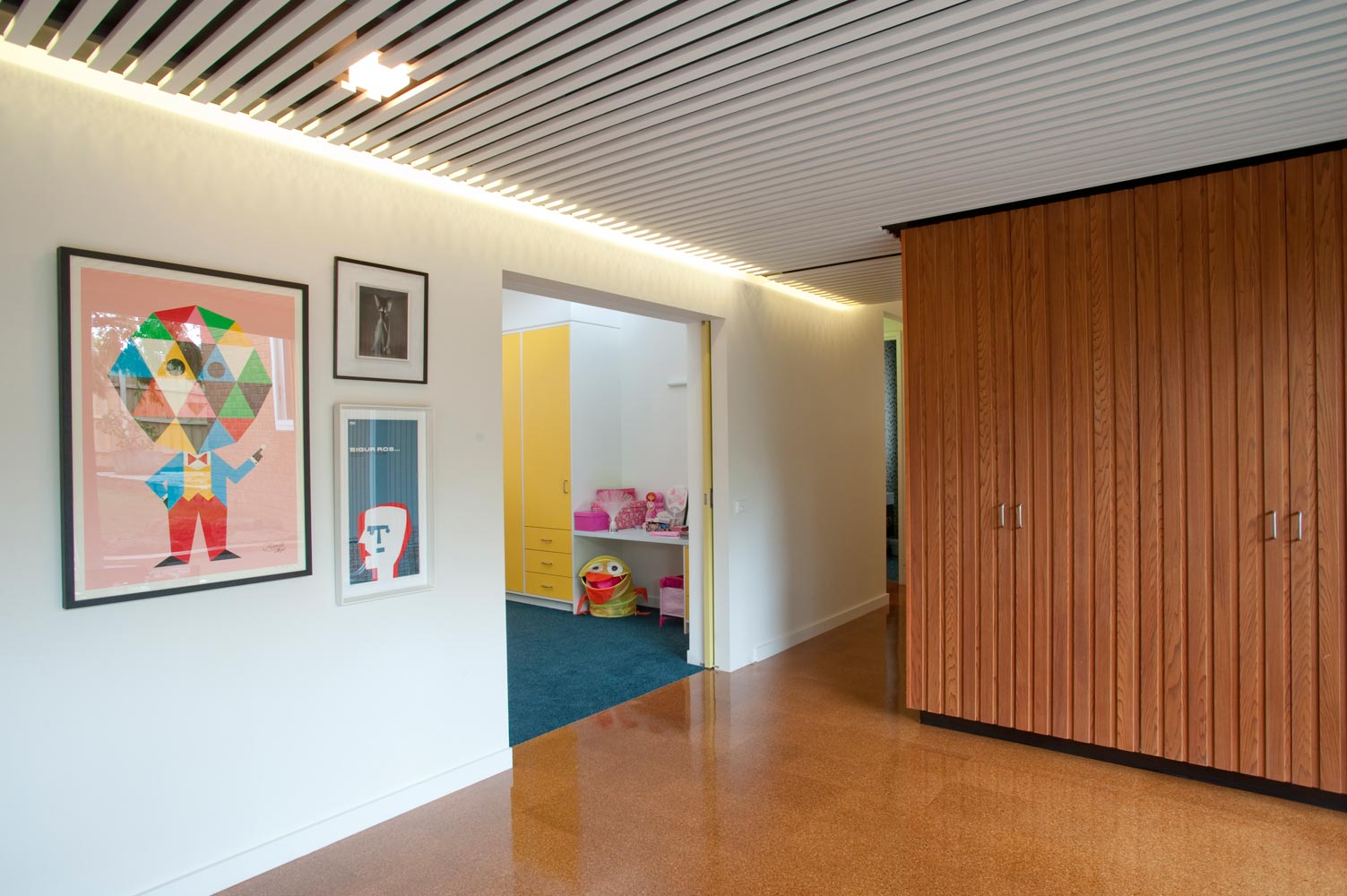 Balwyn Road - Nest Architects - interior corridor