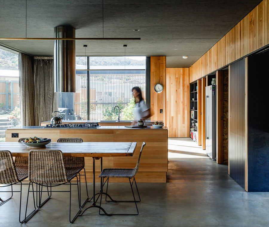 Five Yards modern House - Archier architects - dining area