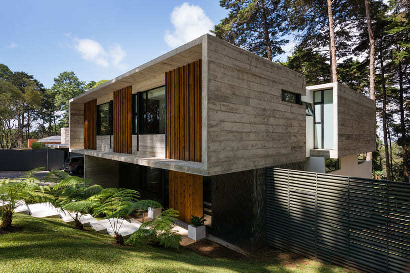 LP1 House - Paz Arquitectura - outside view