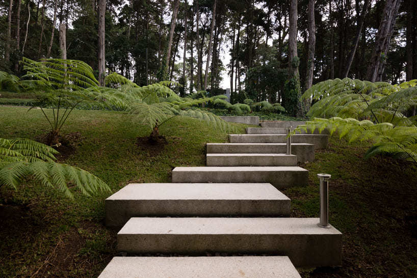 LP1 House - Paz Arquitectura - concrete steps