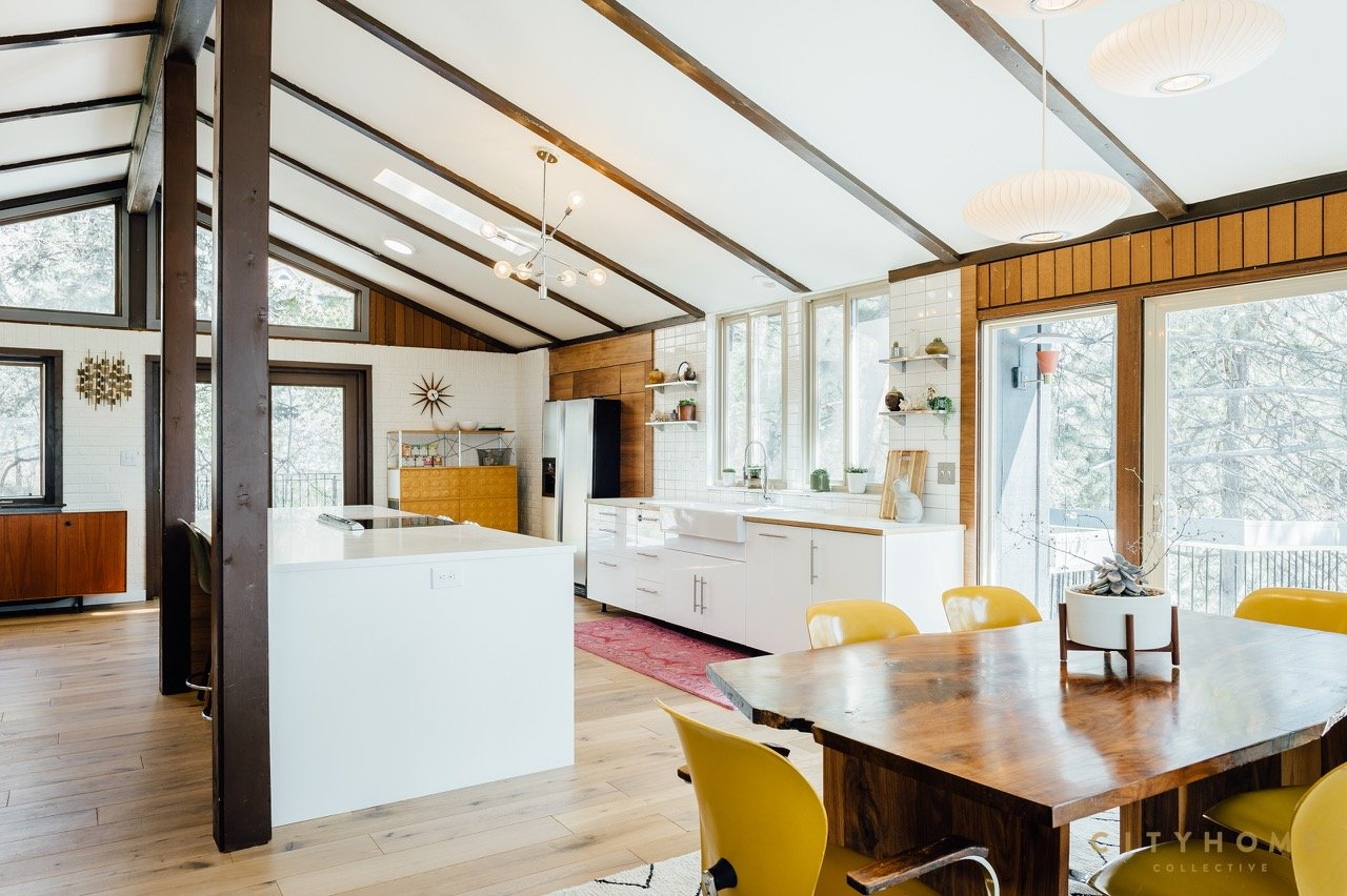 mid-century house for sale in Utah - dining area