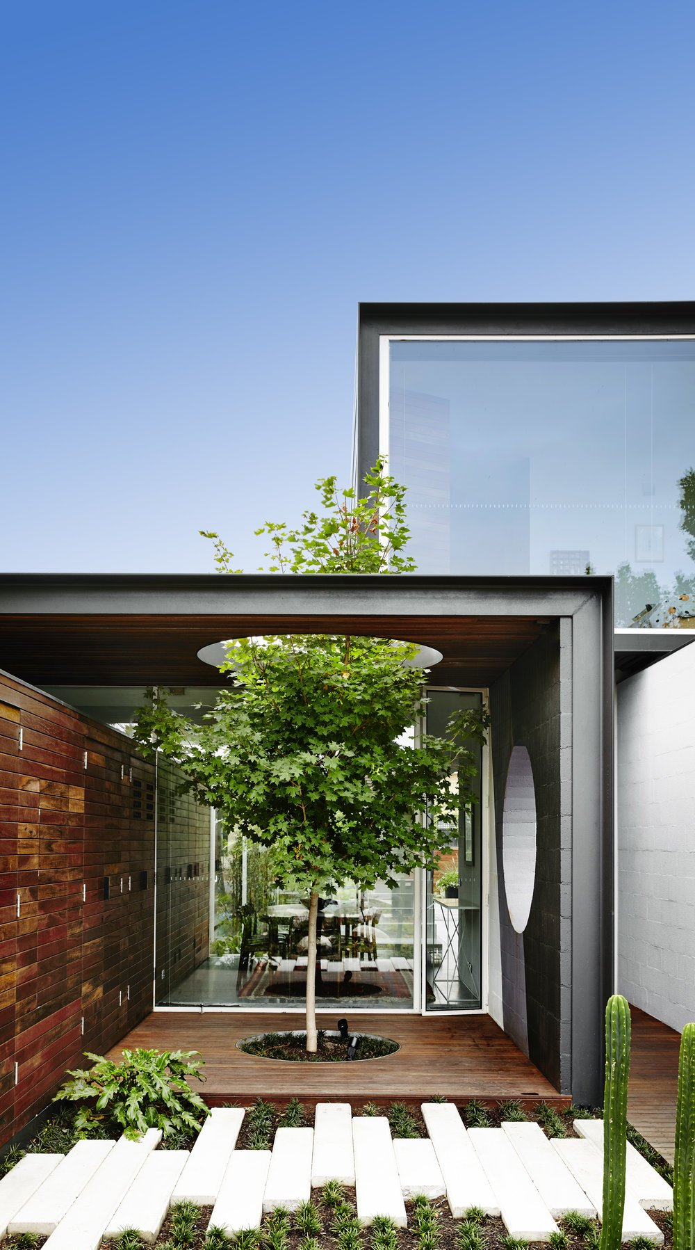 modernist australian house - maynard archtects - exterior patio