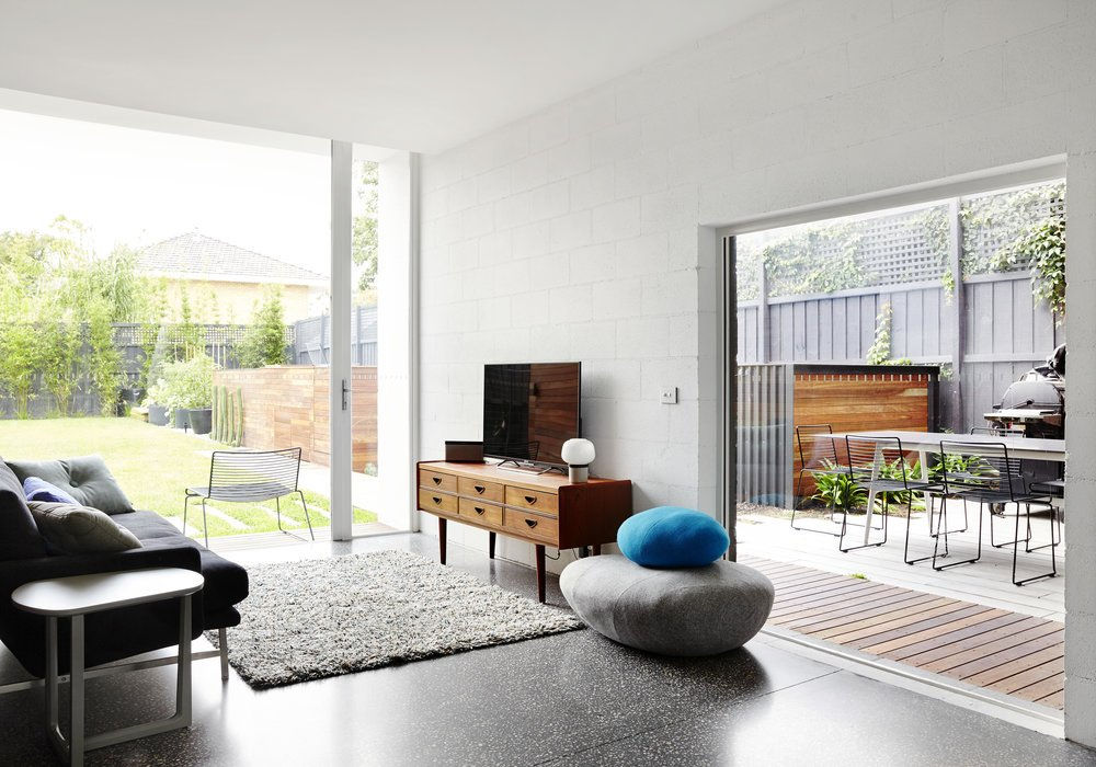 modernist australian house - maynard archtects - living room