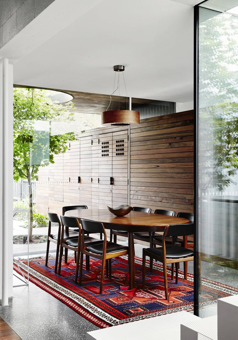 modernist australian house - maynard archtects - dining room