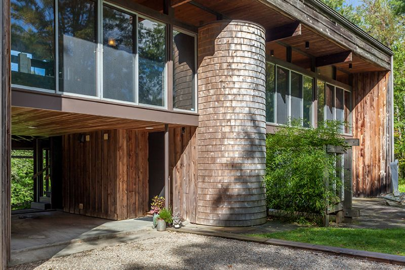 mid-century house in Falls Village, CT - exterior entrance