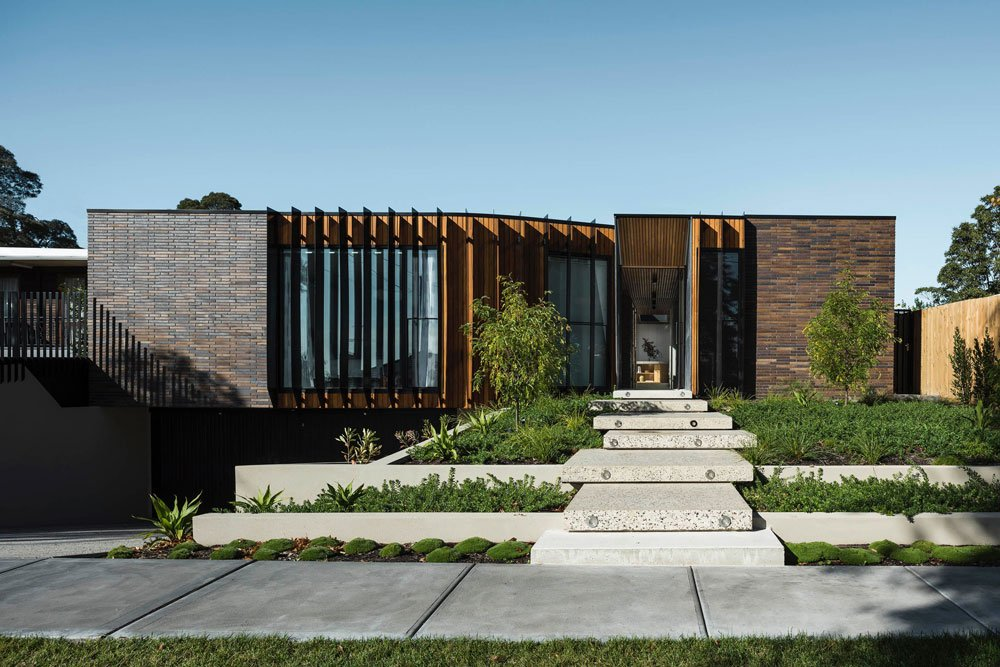 FIGR architects Courtyard House exterior front