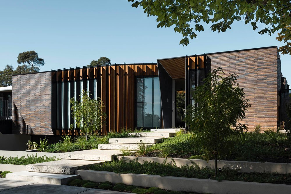 FIGR architects Courtyard House exterior front side