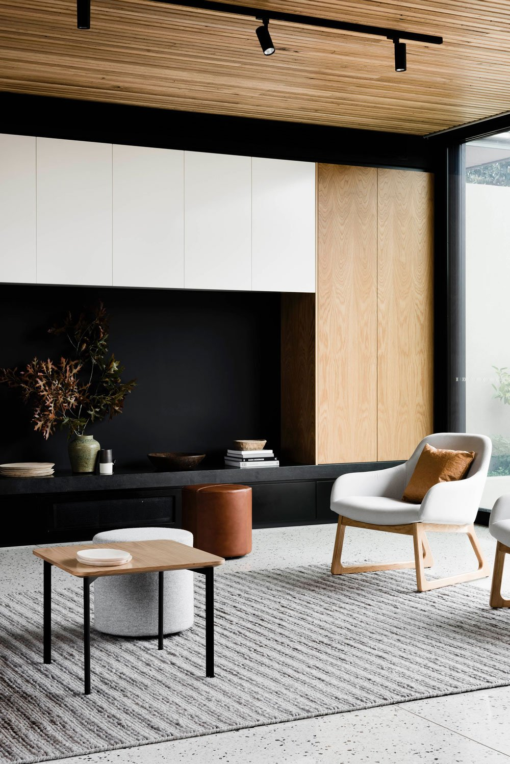 FIGR architects Courtyard House living room