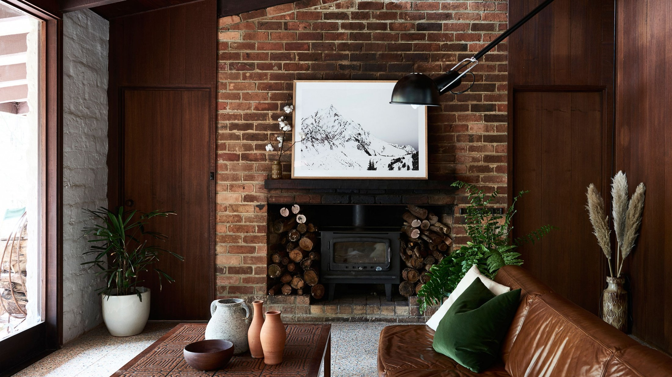 mid century modern Warrandyte Home - living room 2