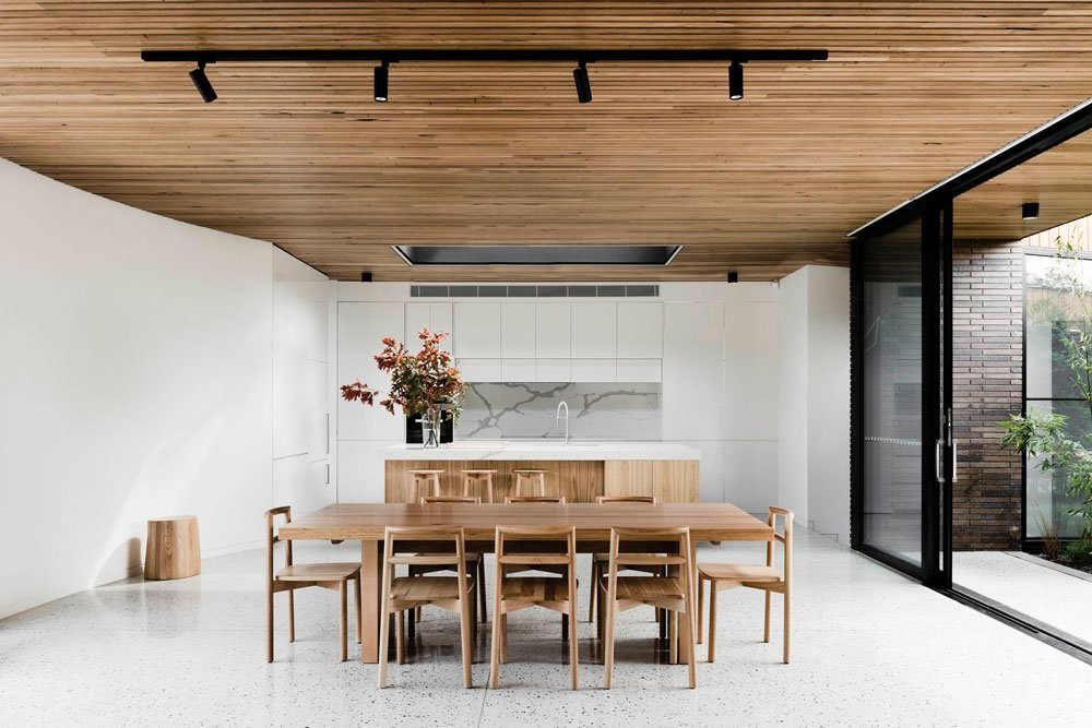 FIGR architects Courtyard House dining area 2