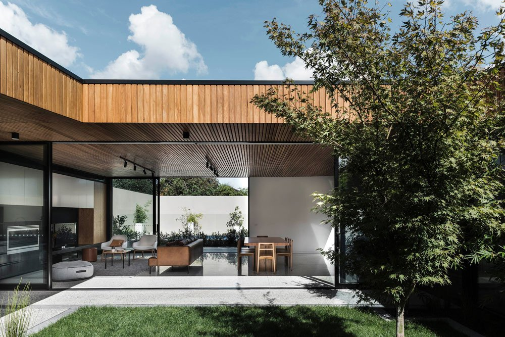 FIGR architects Courtyard-House patio